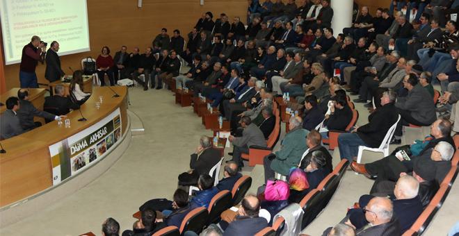 Akhisar'da zeytin üreticilerine bilgilendirme toplantısı